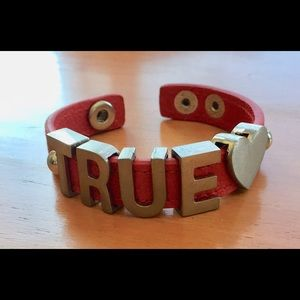 [bcb generation] red TRUE LOVE charm bracelet
